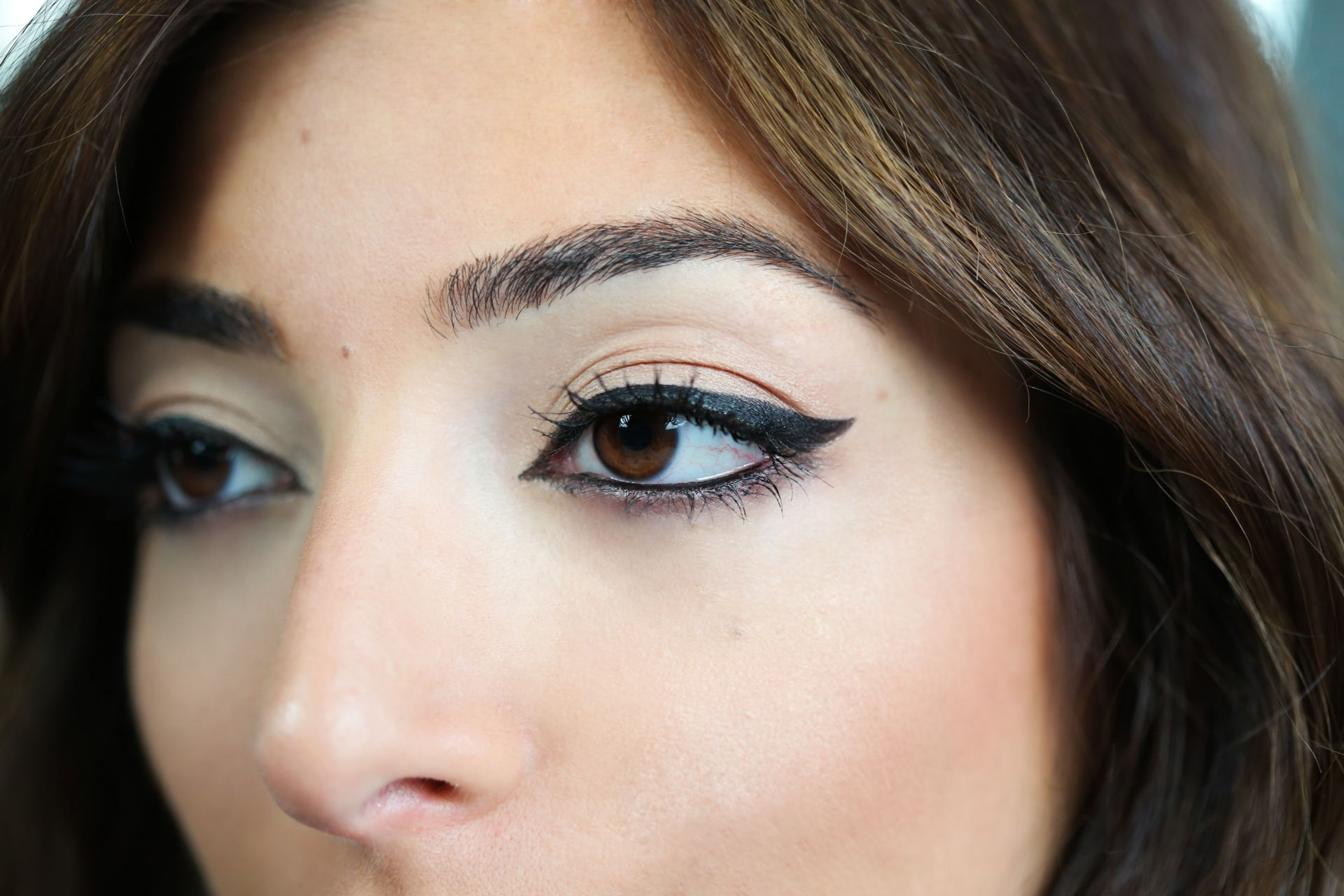How To Get A Cat Eye Look With Ysl Beauty Amelia Liana